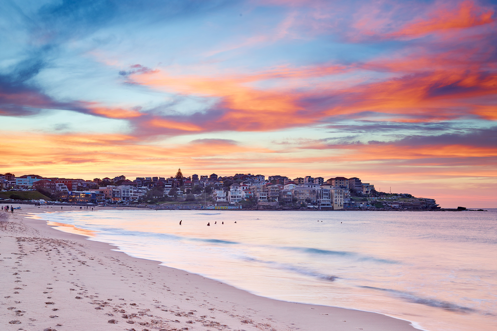 Ah Bondi, looking the goods this morning