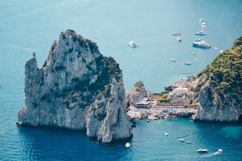 Da Luigi, Capri. Imagine if a right hander wrapped that big rock