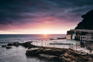 Bronte, hued and relatively quiet this morning