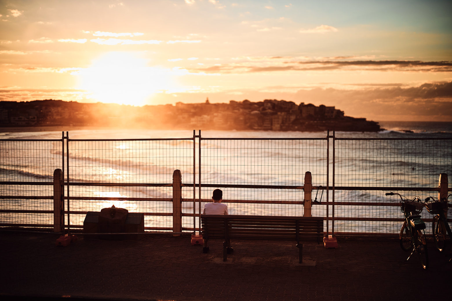 Bondi 7:20am, that fence needs to come down