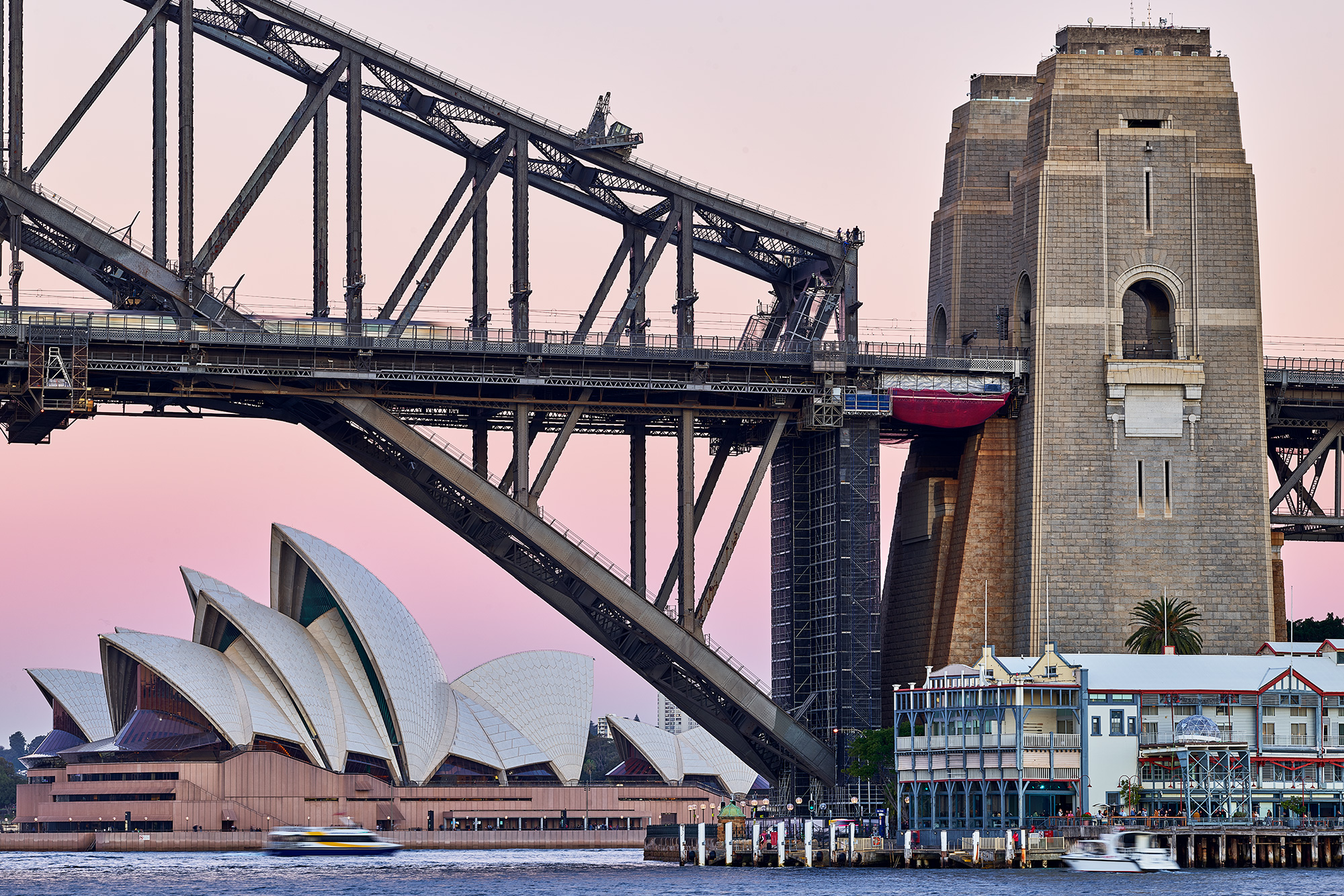 2 most famous structures in Sydney