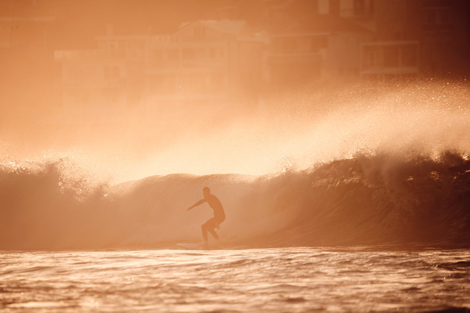 Fiery lefts, closing out mainly