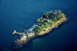 Shark Island, Sydney Harbour