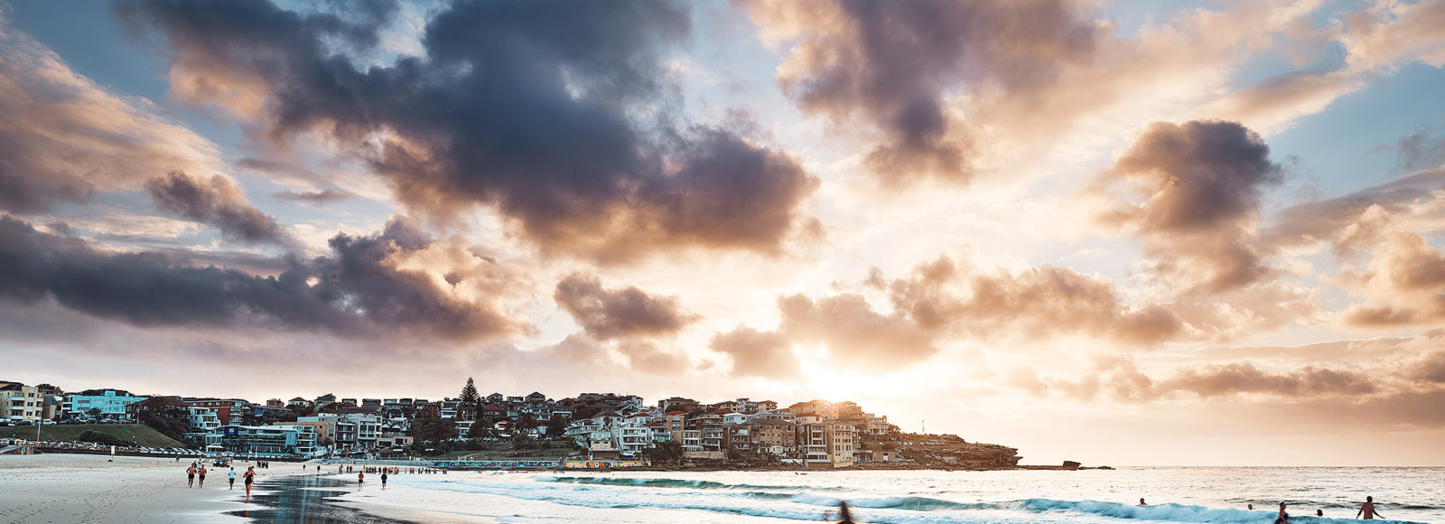 Early moments of light, North Bondi