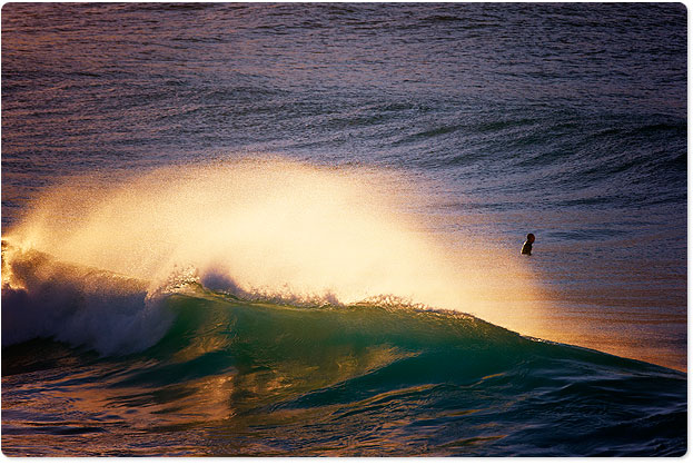 Bondi 7:10am, offshore glow