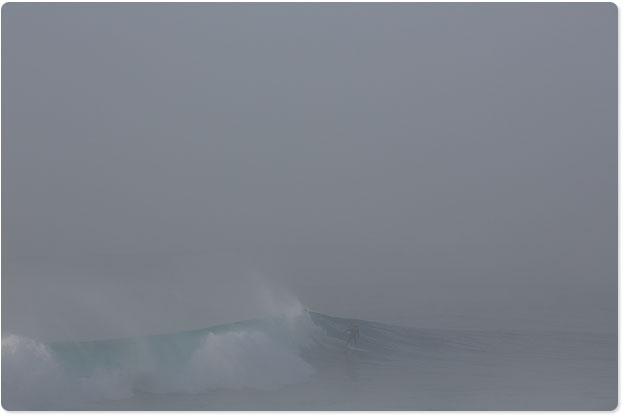 Foggy lefts at Maroubra