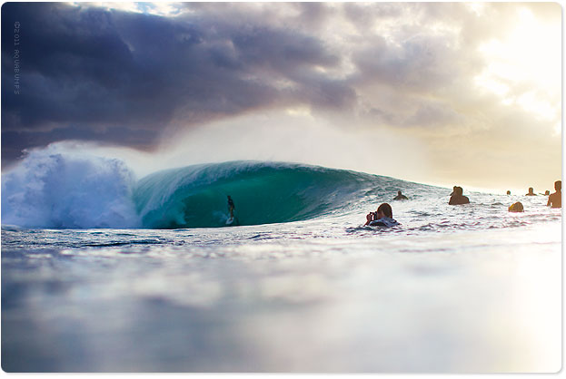 Banzai Pipeline, on fire. Love that joint.